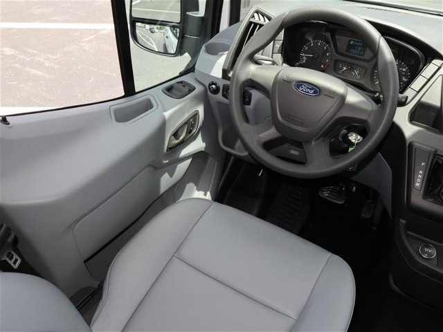 2019 Transit 250 Low Roof 4x2,  Empty Cargo Van #9R2Z1622 - photo 9