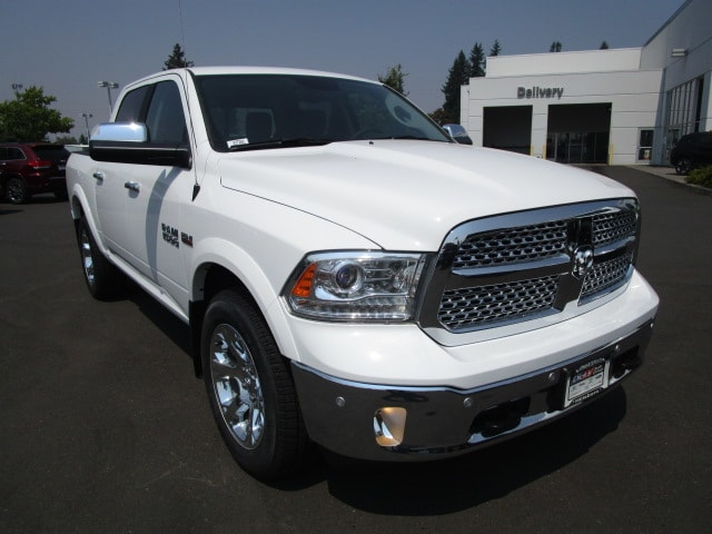 2017 Ram 1500 Crew Cab 4x4 Pickup #077281 - photo 2