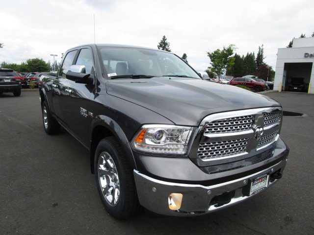 2017 Ram 1500 Crew Cab 4x4 Pickup #077319 - photo 2
