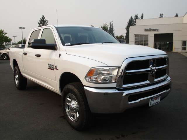 2017 Ram 3500 Crew Cab 4x4 Pickup #077550 - photo 2