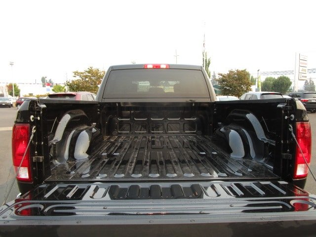 2017 Ram 3500 Crew Cab 4x4,  Pickup #077569 - photo 11