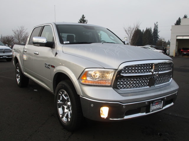 2017 Ram 1500 Crew Cab 4x4, Pickup #077679 - photo 8