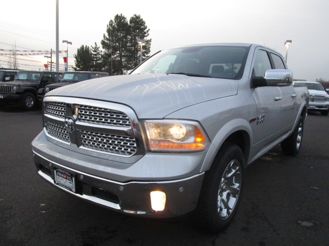 2017 Ram 1500 Crew Cab 4x4, Pickup #077679 - photo 9