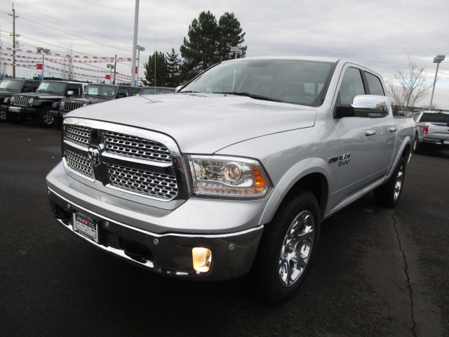 2017 Ram 1500 Crew Cab 4x4, Pickup #077685T - photo 5