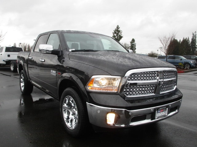 2017 Ram 1500 Crew Cab 4x4, Pickup #077715 - photo 10