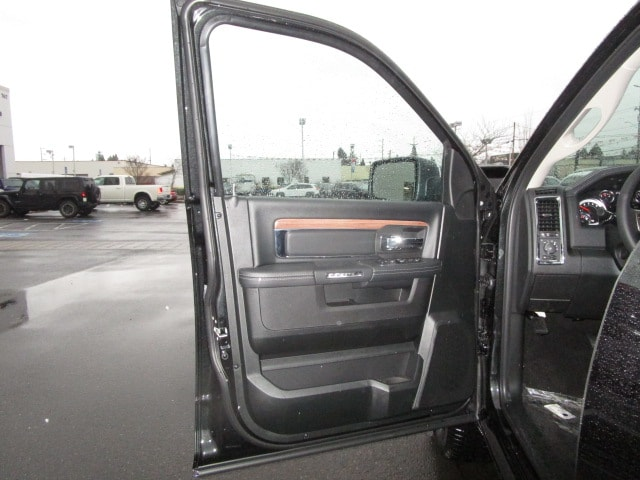 2017 Ram 1500 Crew Cab 4x4, Pickup #077715 - photo 22