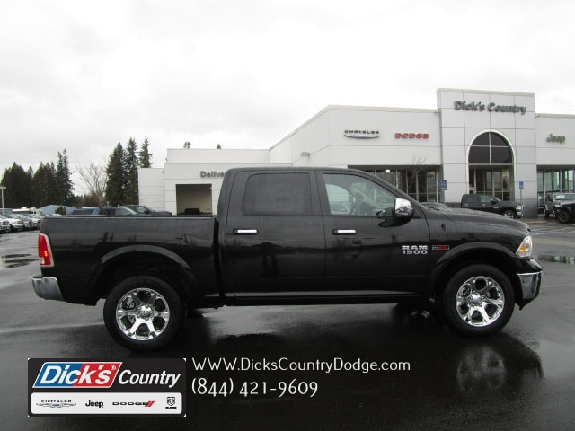 2017 Ram 1500 Crew Cab 4x4, Pickup #077715 - photo 1