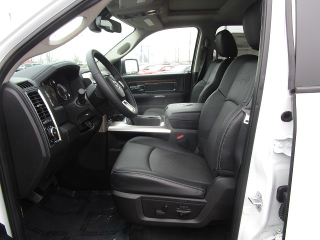 2017 Ram 1500 Crew Cab 4x4, Pickup #077730T - photo 23