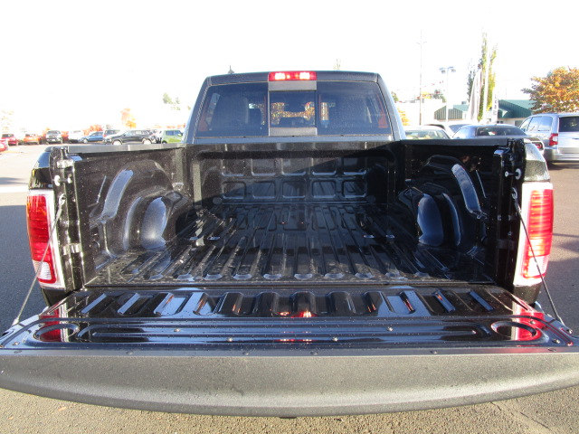 2018 Ram 1500 Crew Cab 4x4 Pickup #087022 - photo 7