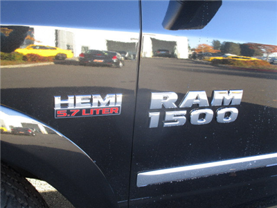 2018 Ram 1500 Crew Cab 4x4 Pickup #087022 - photo 10
