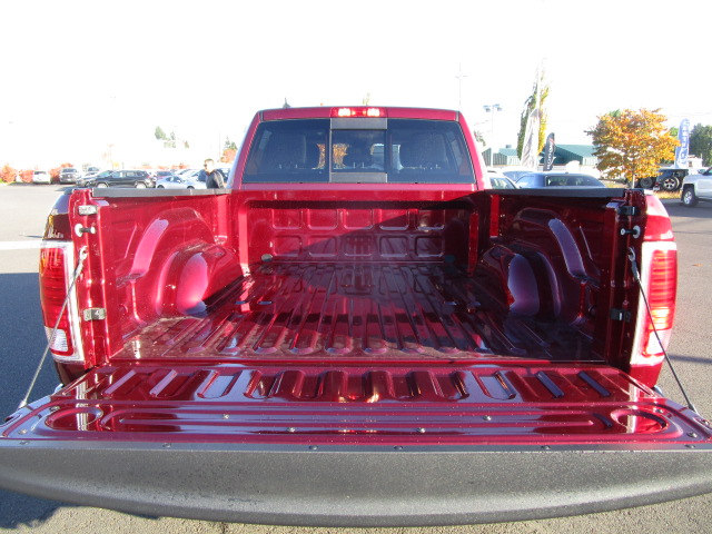 2018 Ram 1500 Crew Cab 4x4 Pickup #087024 - photo 7