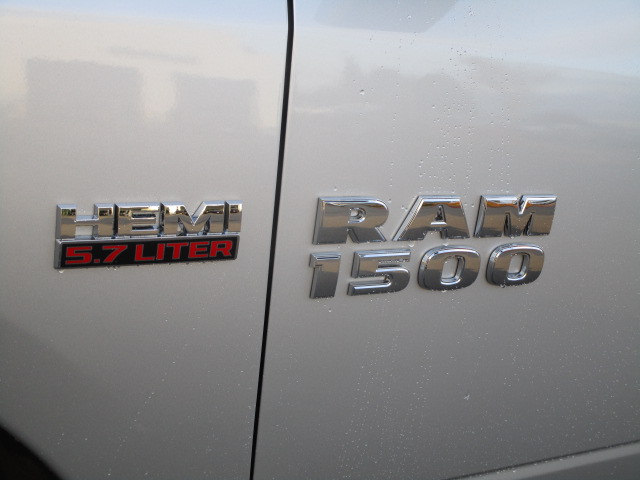 2018 Ram 1500 Quad Cab 4x4, Pickup #087041 - photo 10