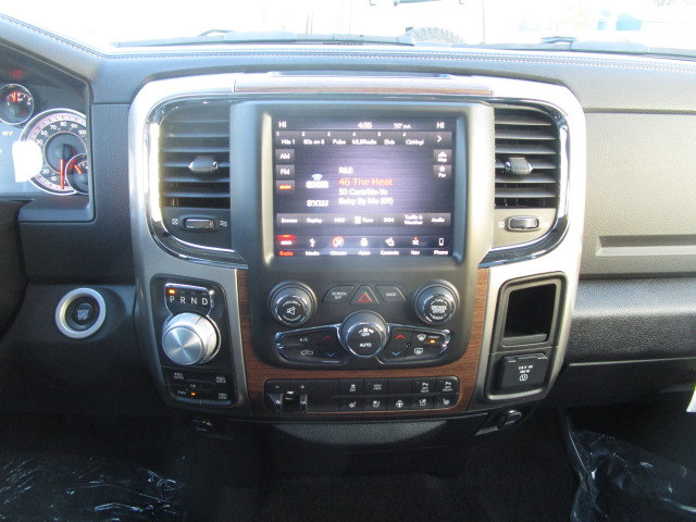 2018 Ram 1500 Crew Cab 4x4 Pickup #087043 - photo 26
