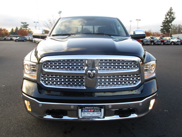 2018 Ram 1500 Crew Cab 4x4 Pickup #087043 - photo 4