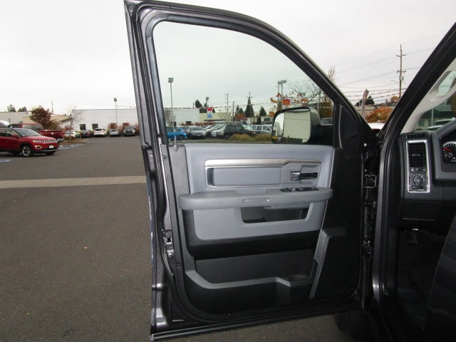 2018 Ram 1500 Crew Cab 4x4 Pickup #087045 - photo 15