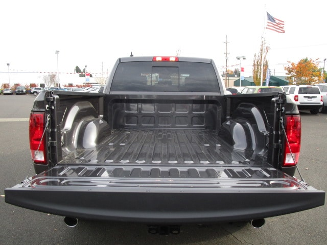 2018 Ram 1500 Crew Cab 4x4 Pickup #087045 - photo 7