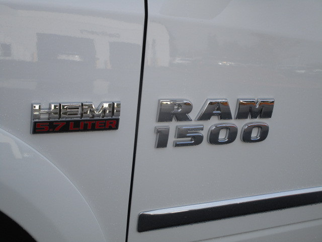 2018 Ram 1500 Crew Cab 4x4 Pickup #087066 - photo 10