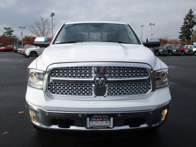 2018 Ram 1500 Crew Cab 4x4 Pickup #087066 - photo 4