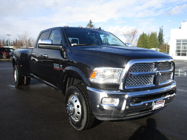 2018 Ram 3500 Crew Cab DRW 4x4 Pickup #087076 - photo 3