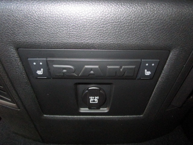 2018 Ram 3500 Mega Cab 4x4, Pickup #087085 - photo 20