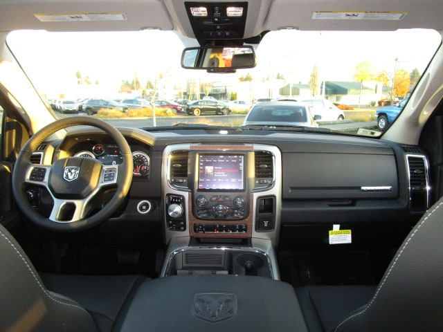 2018 Ram 1500 Crew Cab 4x4, Pickup #087088 - photo 19