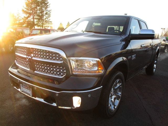 2018 Ram 1500 Crew Cab 4x4, Pickup #087088 - photo 5