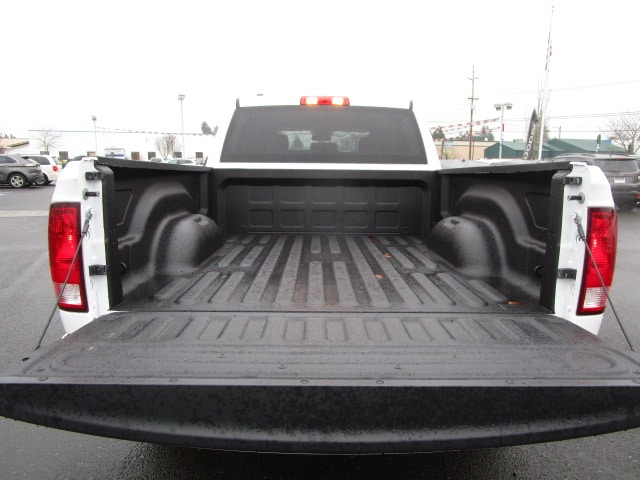 2018 Ram 1500 Crew Cab 4x4 Pickup #087131 - photo 10