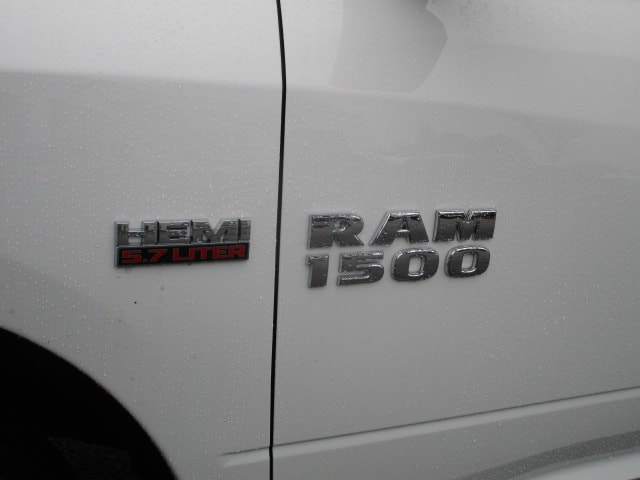 2018 Ram 1500 Crew Cab 4x4 Pickup #087131 - photo 12