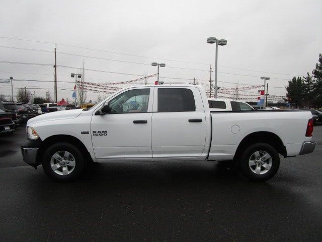 2018 Ram 1500 Crew Cab 4x4 Pickup #087131 - photo 9