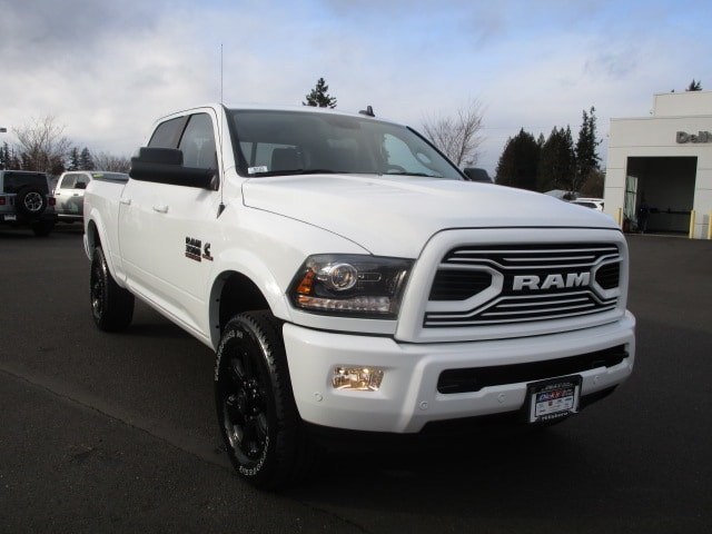 2018 Ram 3500 Crew Cab 4x4, Pickup #087223 - photo 10