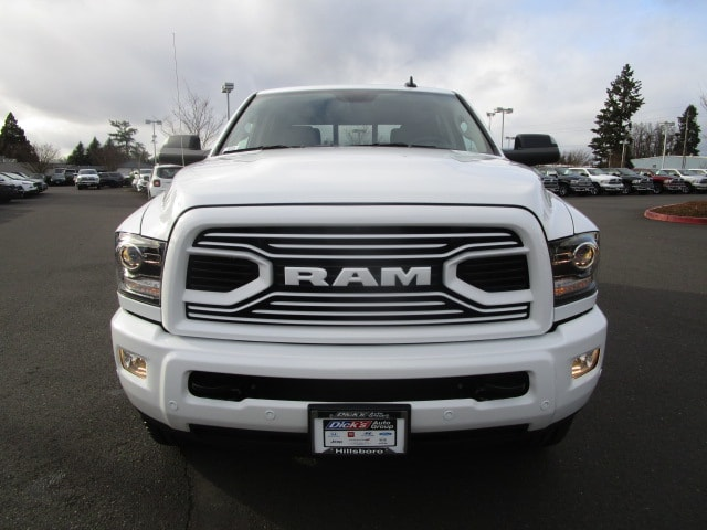 2018 Ram 3500 Crew Cab 4x4, Pickup #087223 - photo 11
