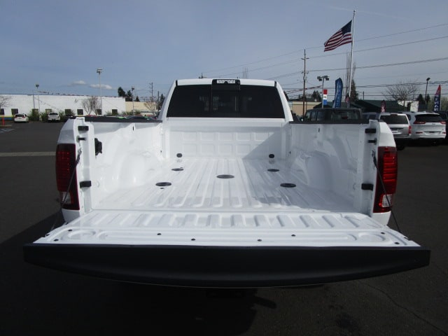 2018 Ram 3500 Crew Cab 4x4, Pickup #087247 - photo 12
