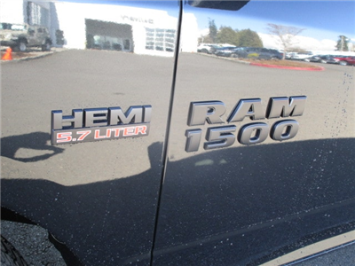 2018 Ram 1500 Crew Cab 4x4, Pickup #087254 - photo 10