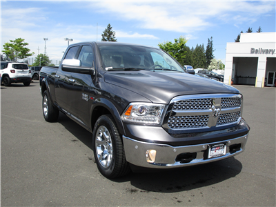2018 Ram 1500 Crew Cab 4x4,  Pickup #087287 - photo 3