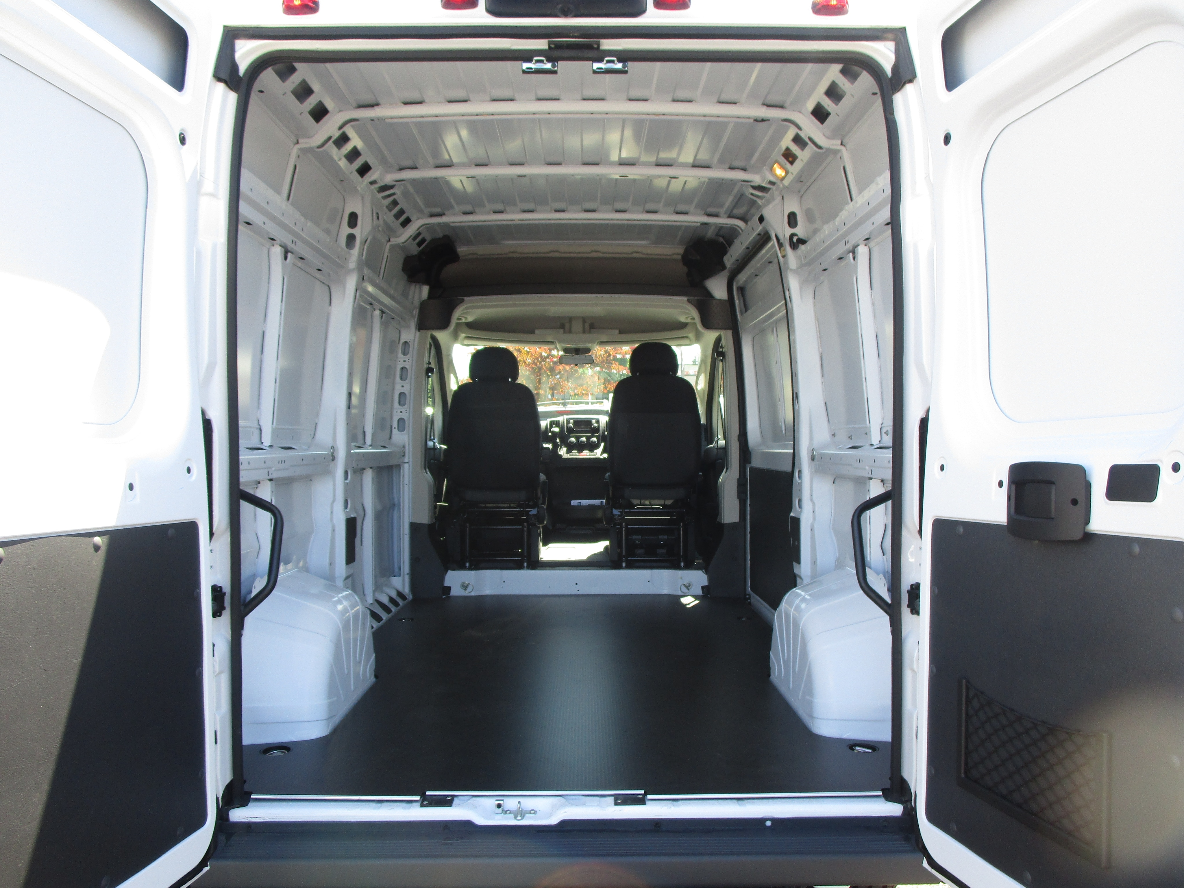 2018 ProMaster 2500 High Roof FWD,  Empty Cargo Van #087319 - photo 2