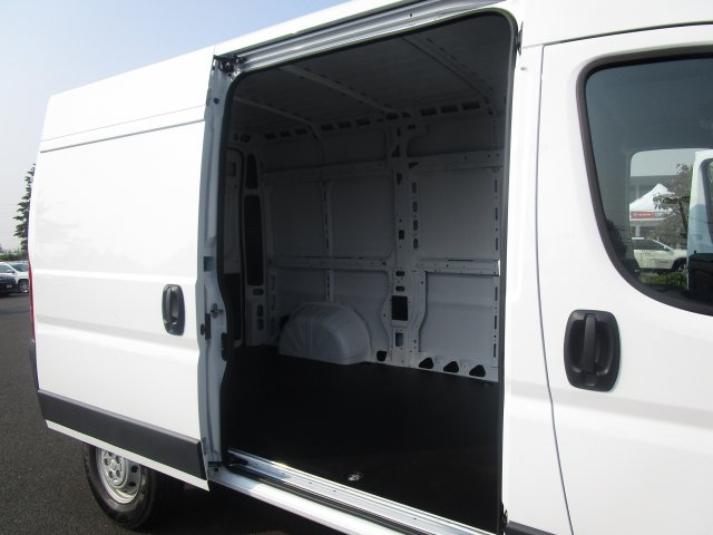 2018 ProMaster 2500 High Roof FWD,  Empty Cargo Van #087381 - photo 12