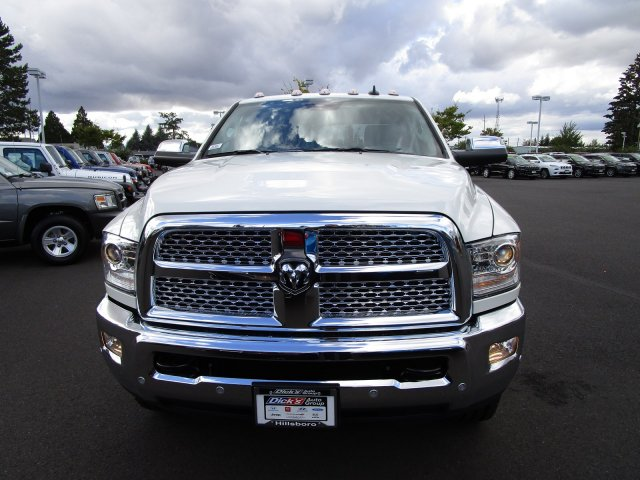 2018 Ram 3500 Crew Cab 4x4,  Pickup #087466T - photo 3