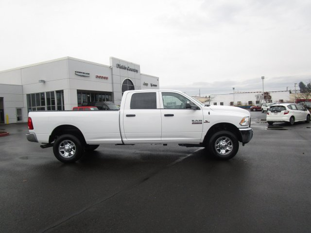 2018 Ram 3500 Crew Cab 4x4,  Pickup #087568 - photo 3
