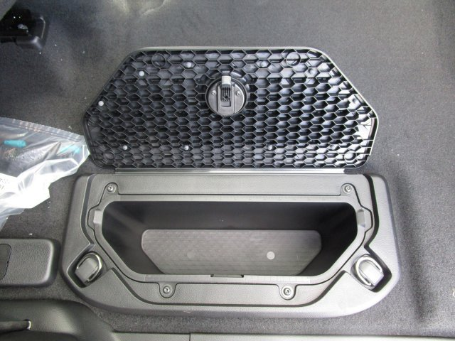 2019 Ram 1500 Crew Cab 4x4,  Pickup #097006 - photo 18