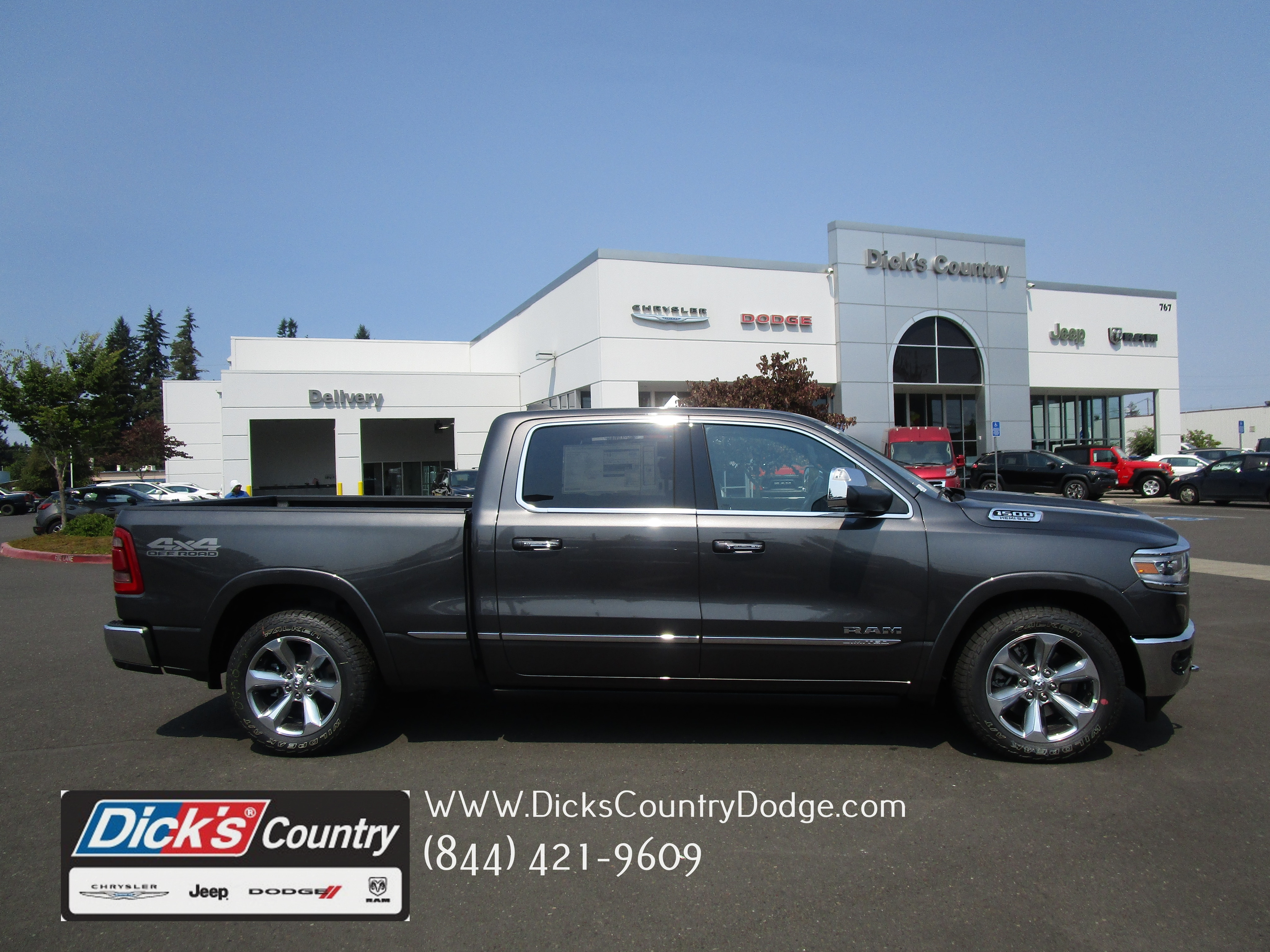 2019 Ram 1500 Crew Cab 4x4,  Pickup #097054 - photo 1