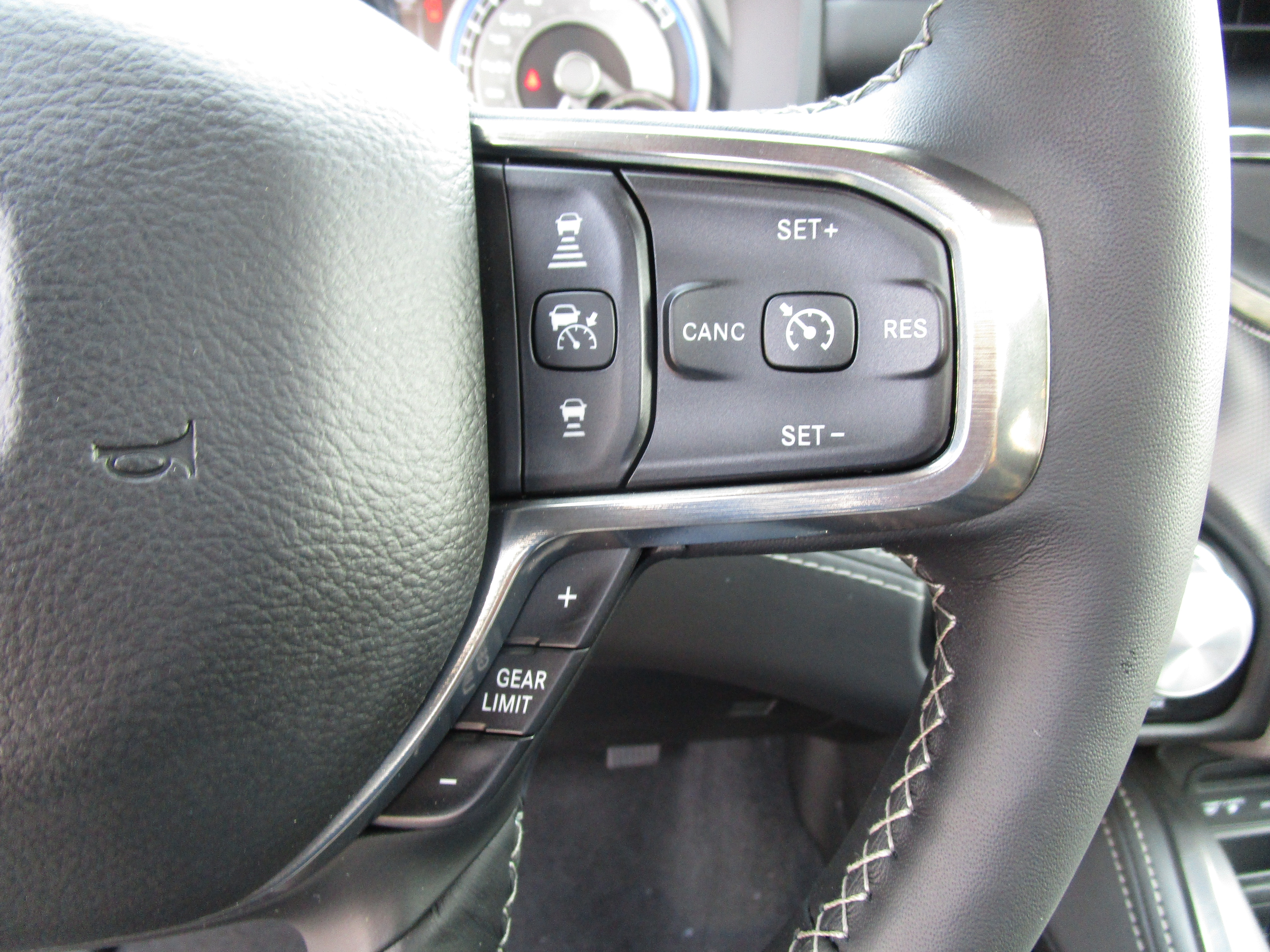 2019 Ram 1500 Crew Cab 4x4,  Pickup #097054 - photo 27