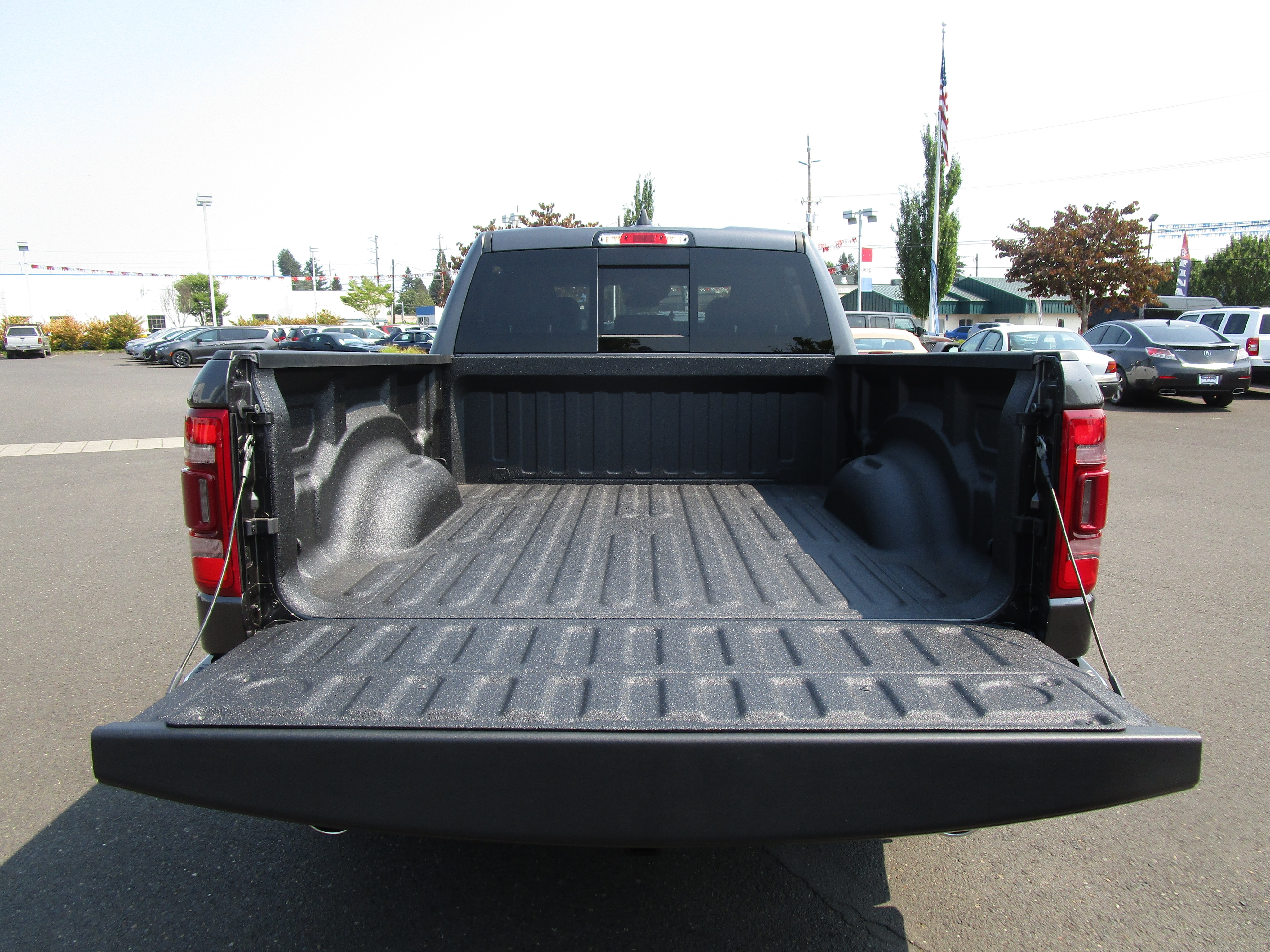2019 Ram 1500 Crew Cab 4x4,  Pickup #097054 - photo 7