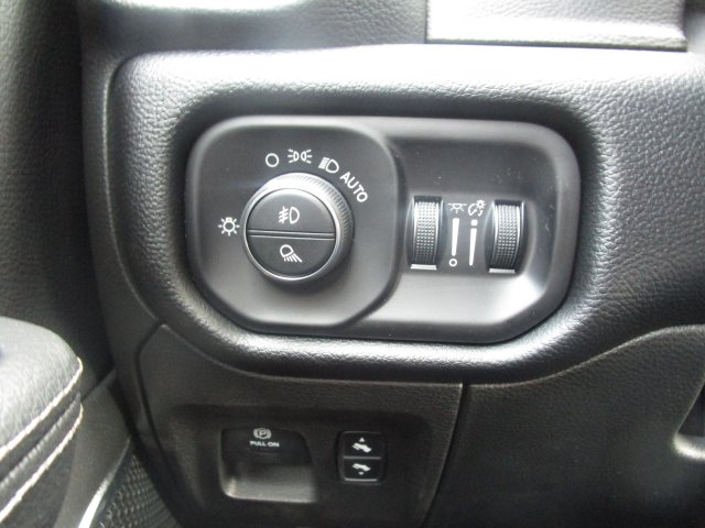 2019 Ram 1500 Crew Cab 4x4,  Pickup #097057 - photo 28
