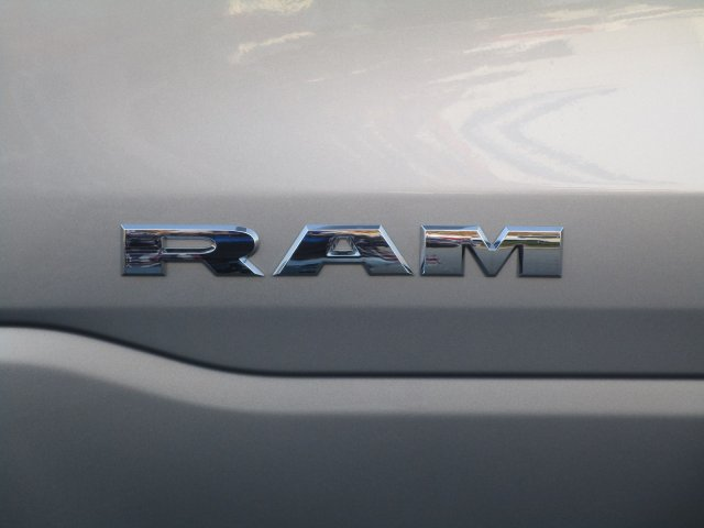 2019 Ram 1500 Crew Cab 4x4,  Pickup #097108 - photo 11