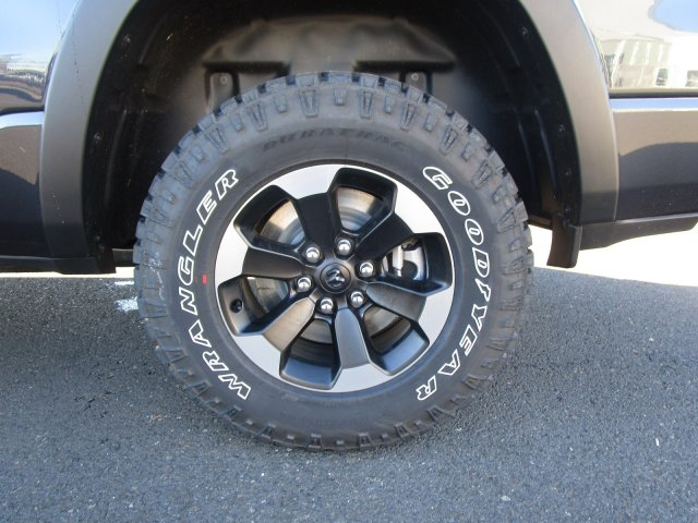 2019 Ram 1500 Crew Cab 4x4,  Pickup #097136 - photo 13