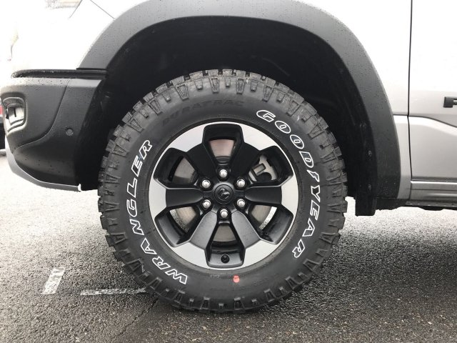 2019 Ram 1500 Crew Cab 4x4,  Pickup #097150 - photo 11