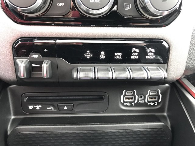 2019 Ram 1500 Crew Cab 4x4,  Pickup #097150 - photo 18