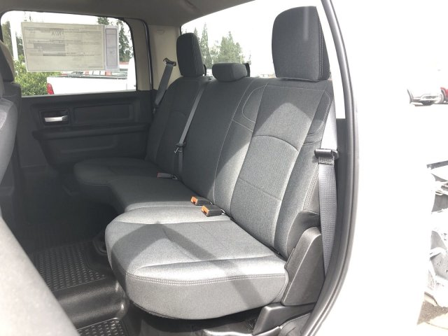 2019 Ram 5500 Crew Cab DRW 4x2,  Cab Chassis #097268 - photo 11