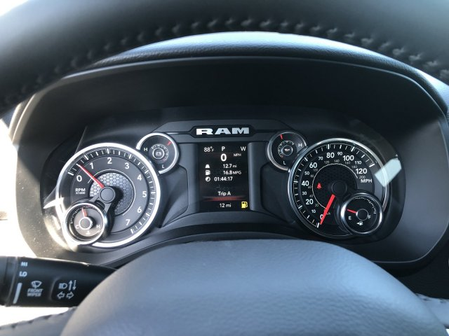 2019 Ram 1500 Crew Cab 4x4, Pickup #097310 - photo 16