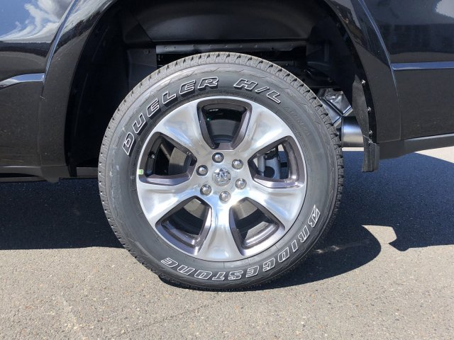 2019 Ram 1500 Crew Cab 4x4,  Pickup #097315 - photo 9